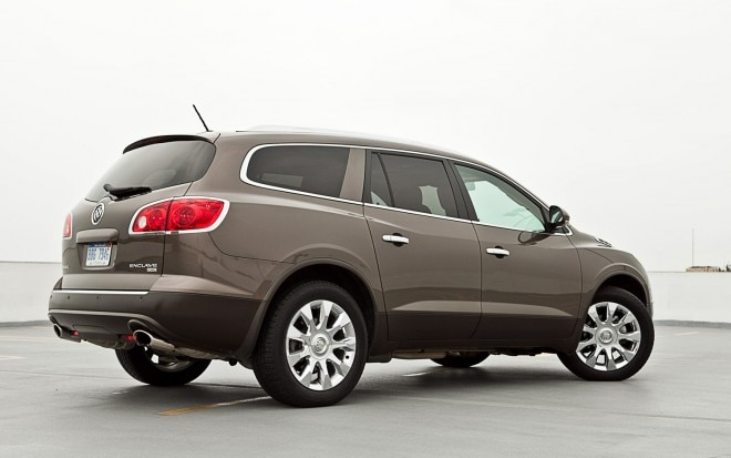 2011 Buick Enclave Cxl 2 Awd Rear Right View2 660x413