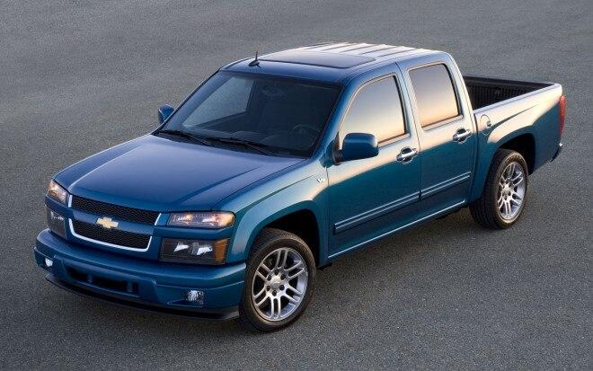 2011 Chevrolet Colorado Front Three Quarter1 660x413