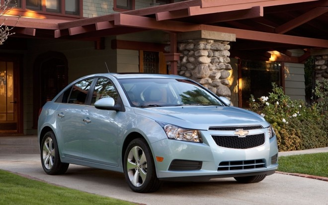 2011 Chevrolet Cruze Front Three Quarter21 660x413