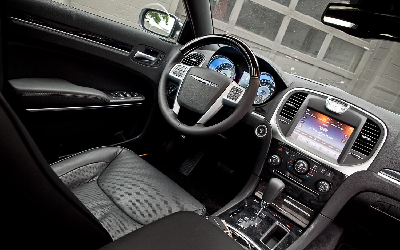 Tire Pressure Monitoring System >> 2011 Chrysler 300 Limited V-6 - Editors' Notebook ...