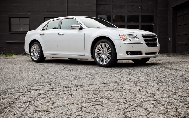 2011 Chrysler 300 Limited V 6 Front Right Side View1 660x413