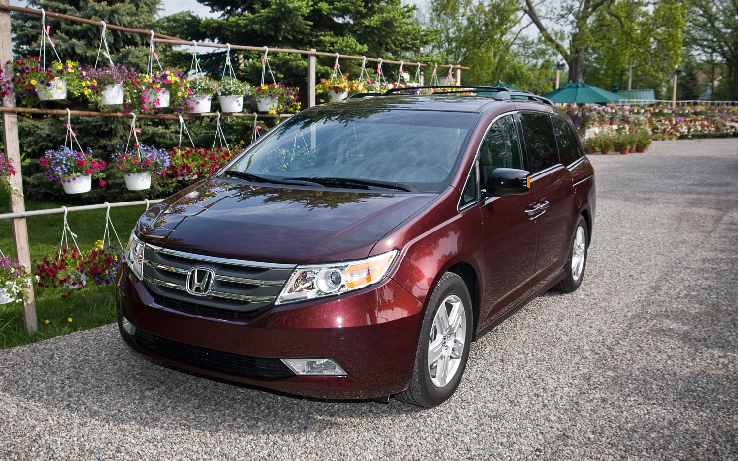 2011 Honda Odyssey Touring Elite Front Left View 4