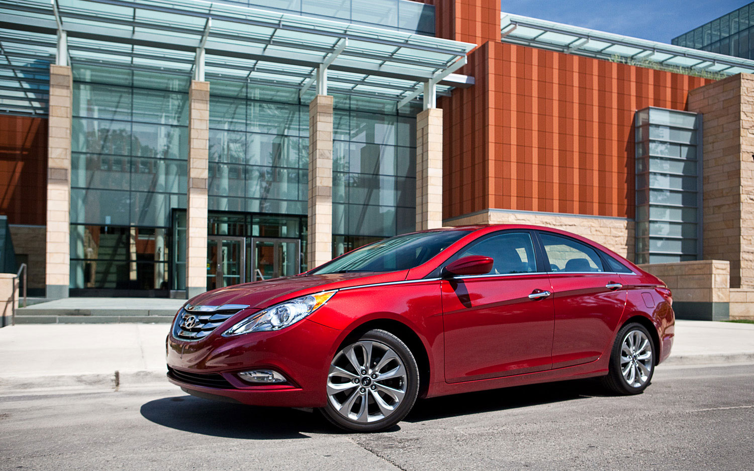 2011 Hyundai Sonata SE Left Side View2