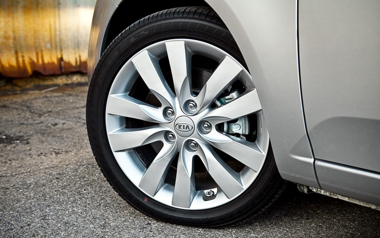 Toyota Corolla Mpg >> 2011 Kia Forte SX Sedan - Editors' Notebook - Automobile Magazine
