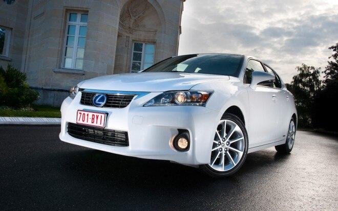 2011 Lexus Ct200h Front Three Quarter1 660x413