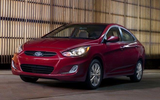 2012 Hyundai Accent Sedan Front Three Quarter1 660x413