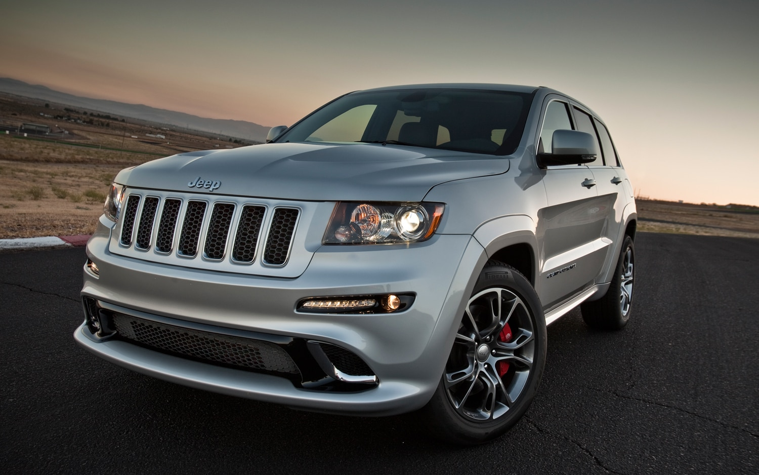 2012 jeep grand cherokee srt8 first drive automobile magazine. Black Bedroom Furniture Sets. Home Design Ideas