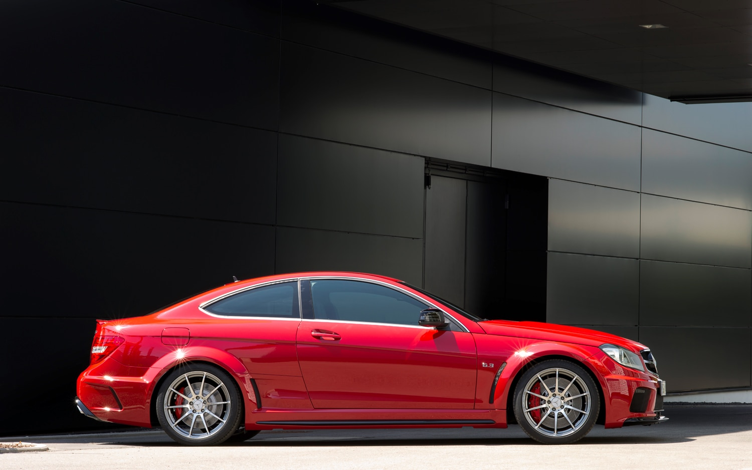 2012 mercedes benz c63 amg coupe black series first look automobile magazine - 2012 mercedes c63 amg coupe ...