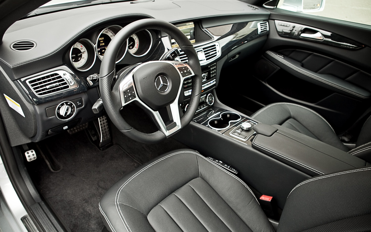 2014 cls 550 interior gallery for Mercedes benz interiors