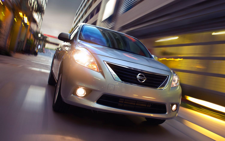 2012 Nissan Versa Sedan Front1