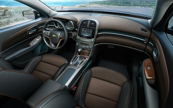2013 Chevrolet Malibu LTZ Interior 11 660x413