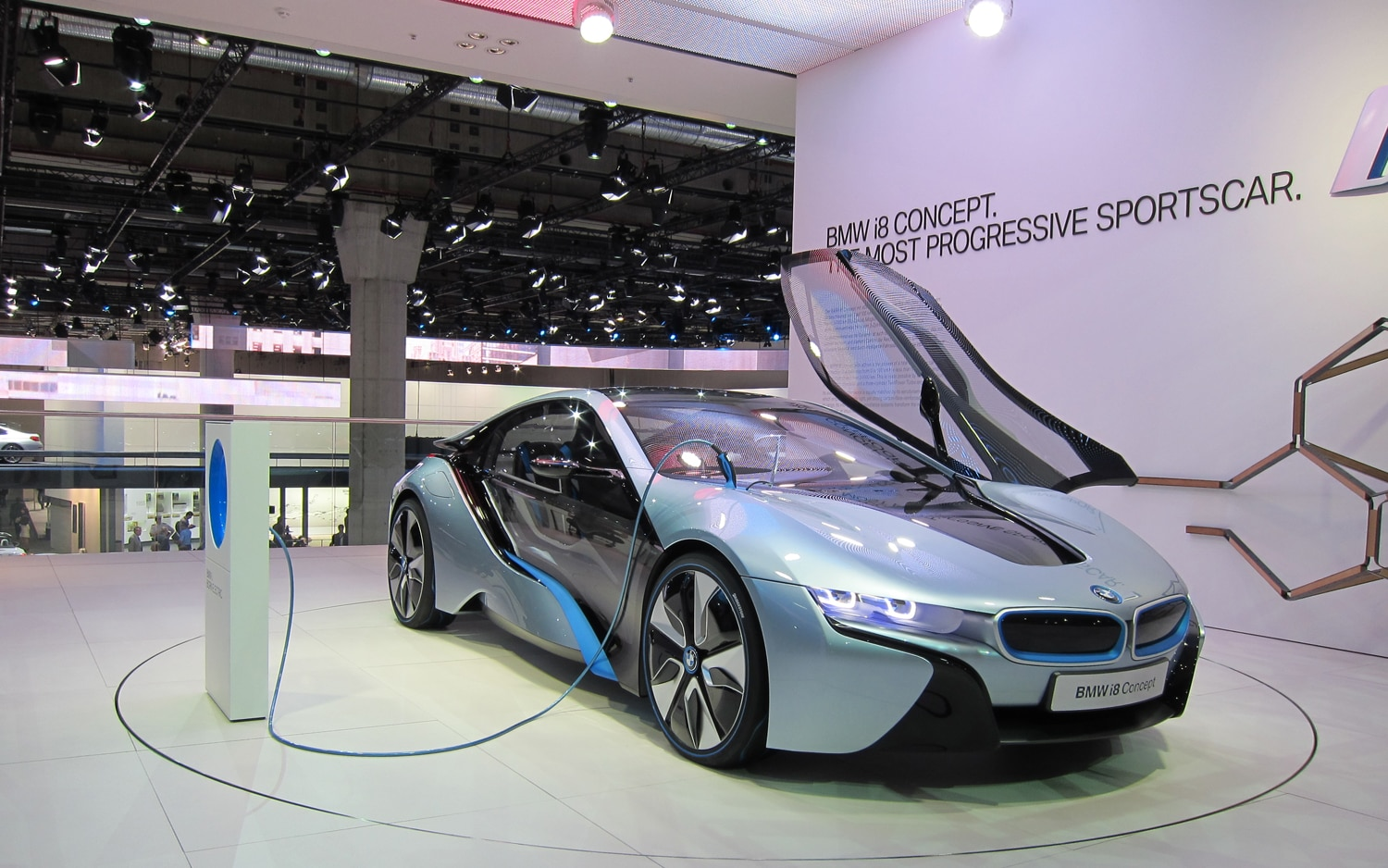 BMW I8 Concept Front Right View 2