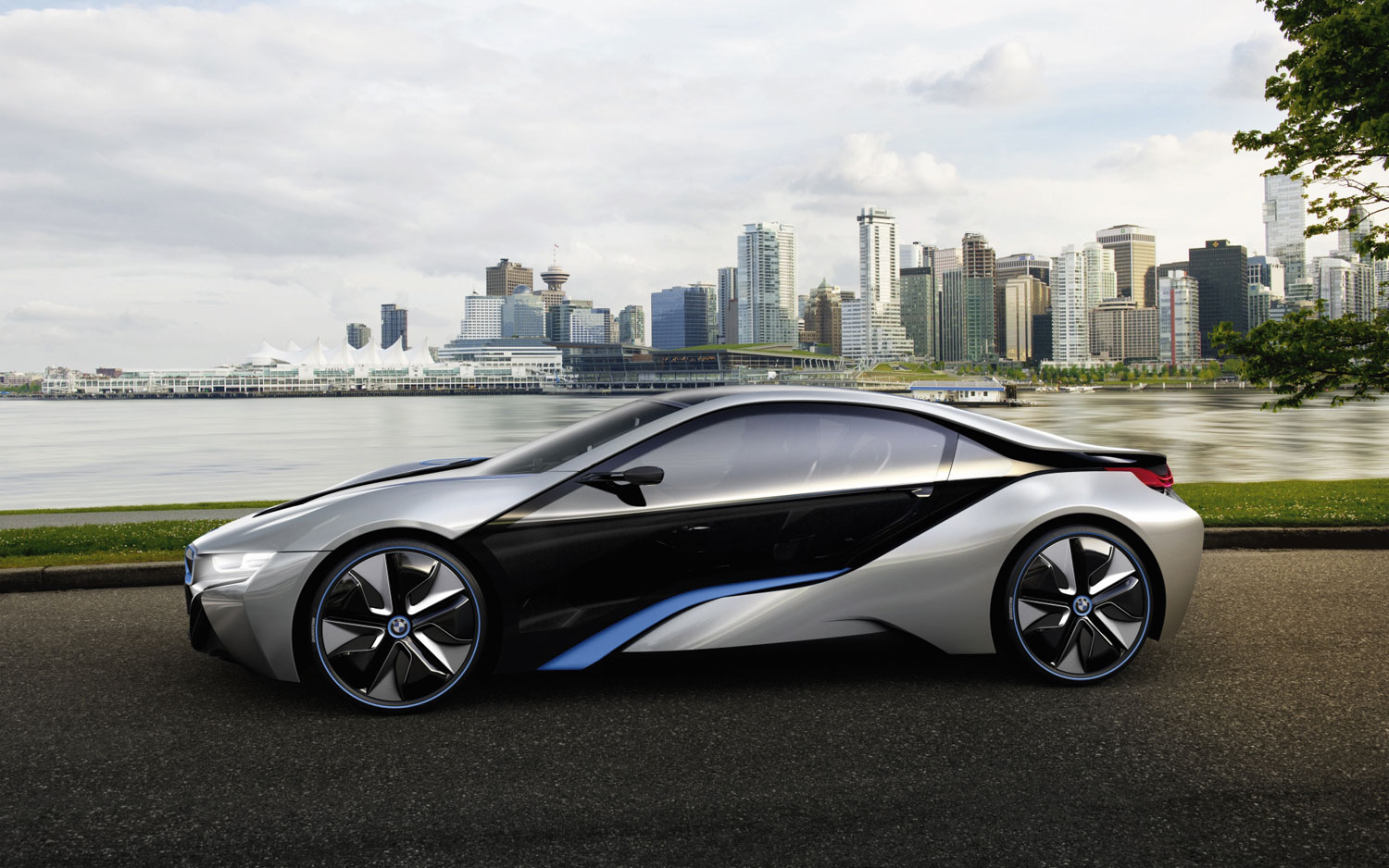 BMW i8 Concept - First Look - Automobile Magazine
