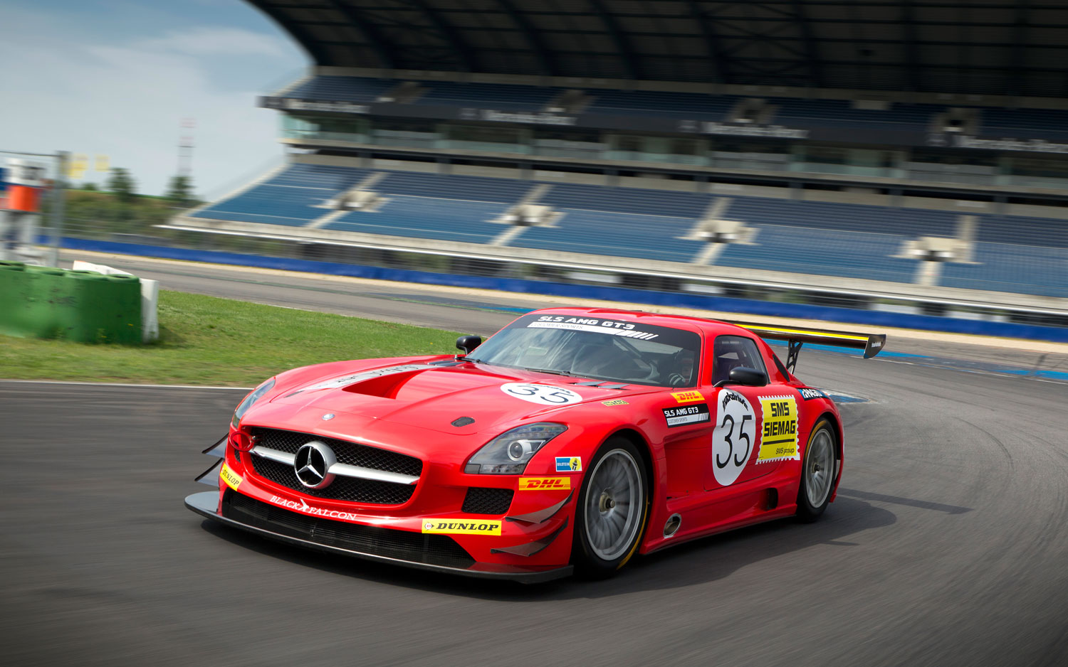blast from the past mercedes benz sls amg gt3 wearing historic amg livery. Black Bedroom Furniture Sets. Home Design Ideas