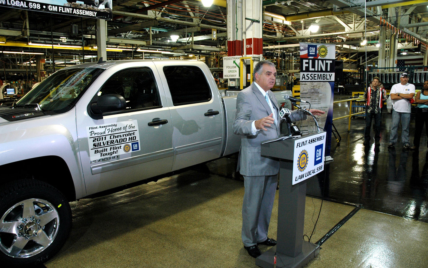 Ray Lahood Visits Gm Flint Assembly Plant1
