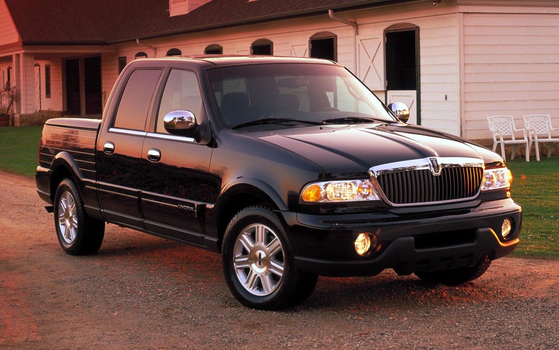 2002 Lincoln Blackwood Front Three Quarter1