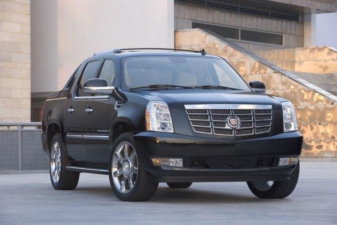 2009 Cadillac Escalad EXT Front Three Quarters1 660x440
