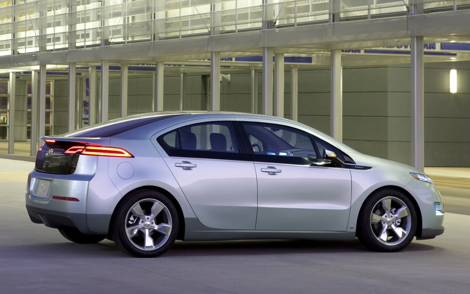 2011 Chevrolet Volt Rear Three Quarter1