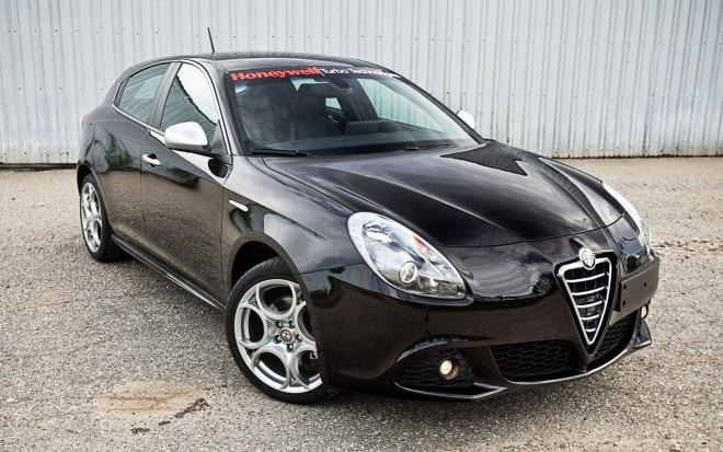 2011 Alfa Romeo Giulietta Veloce Front Right View 660x413