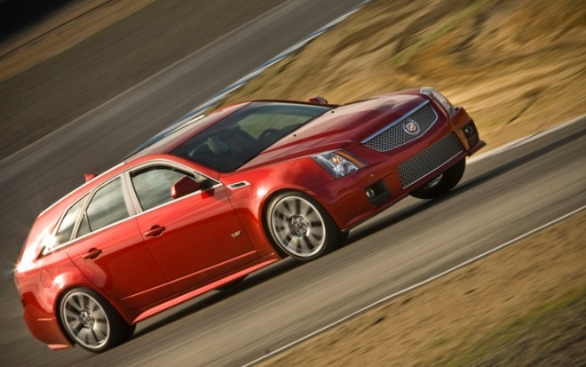 2011 Cadillac CTS V Sport Wagon Side In Motion 660x413