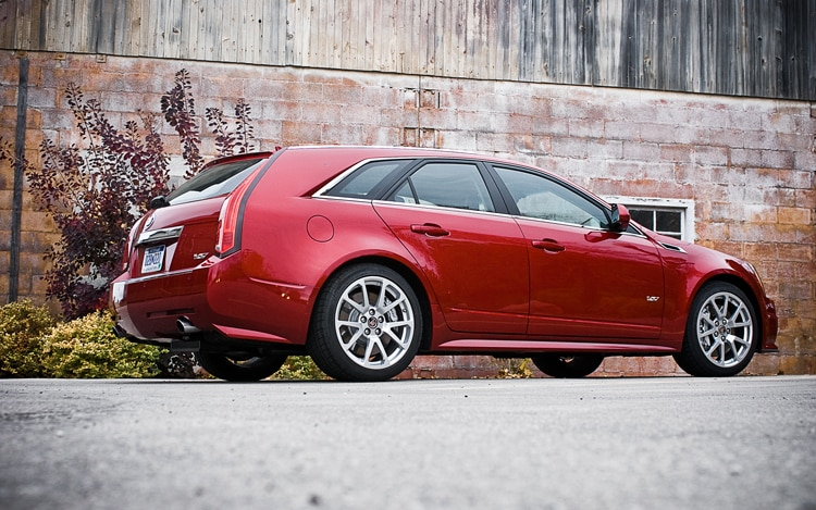 2011 cadillac cts v wagon editors 39 notebook automobile magazine. Black Bedroom Furniture Sets. Home Design Ideas