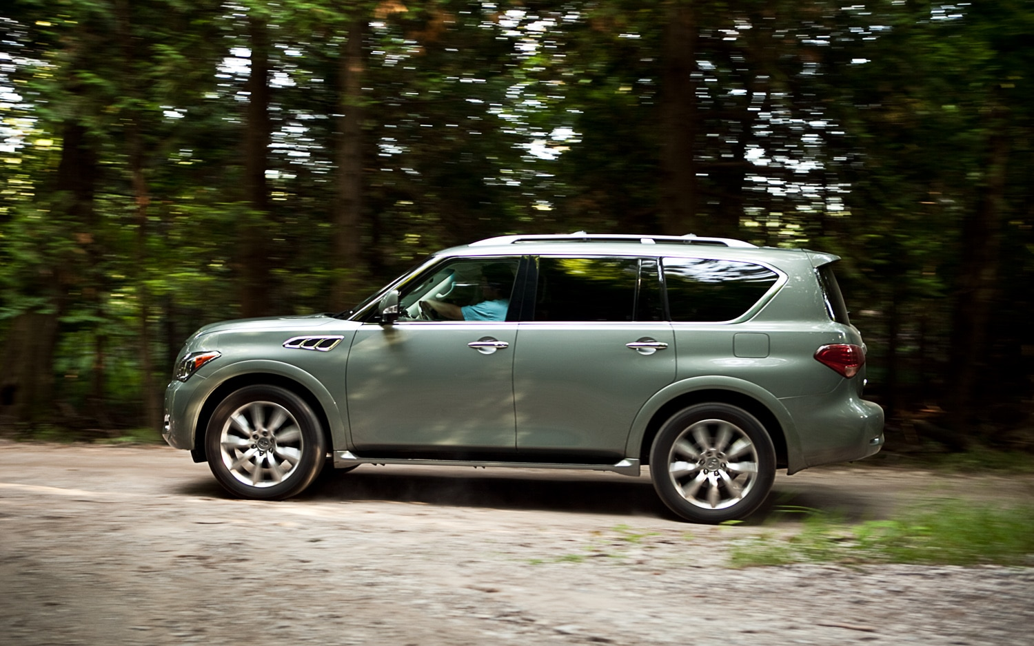 2011 Infiniti QX56 4WD Left Side View1