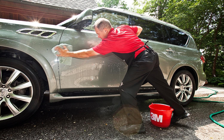 2011 Infiniti QX56 4WD Washing1