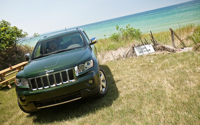 2011 jeep grand cherokee overland 4x4 four seasons update august 2011 automobile magazine. Black Bedroom Furniture Sets. Home Design Ideas