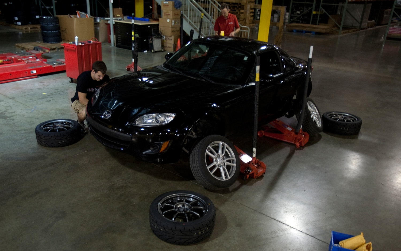 2011 Mazda MX 5 Miata Changing Tires2