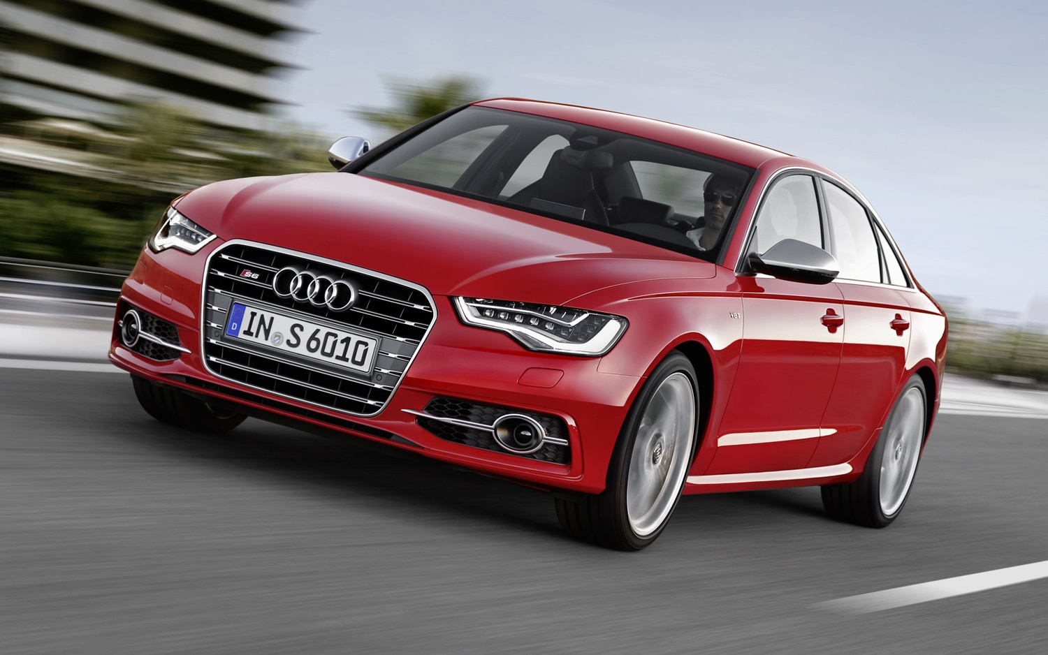 2012 Audi S6 Front View1