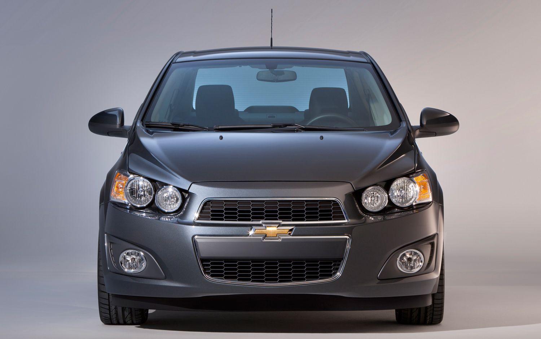 2012 Chevrolet Sonic Sedan Front Profile1