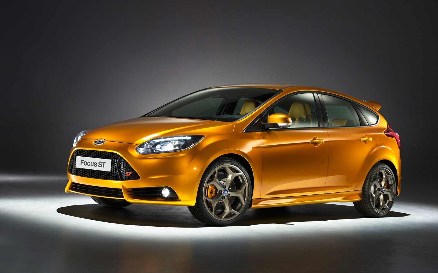2012 Ford Focus ST Front Three Quarter1
