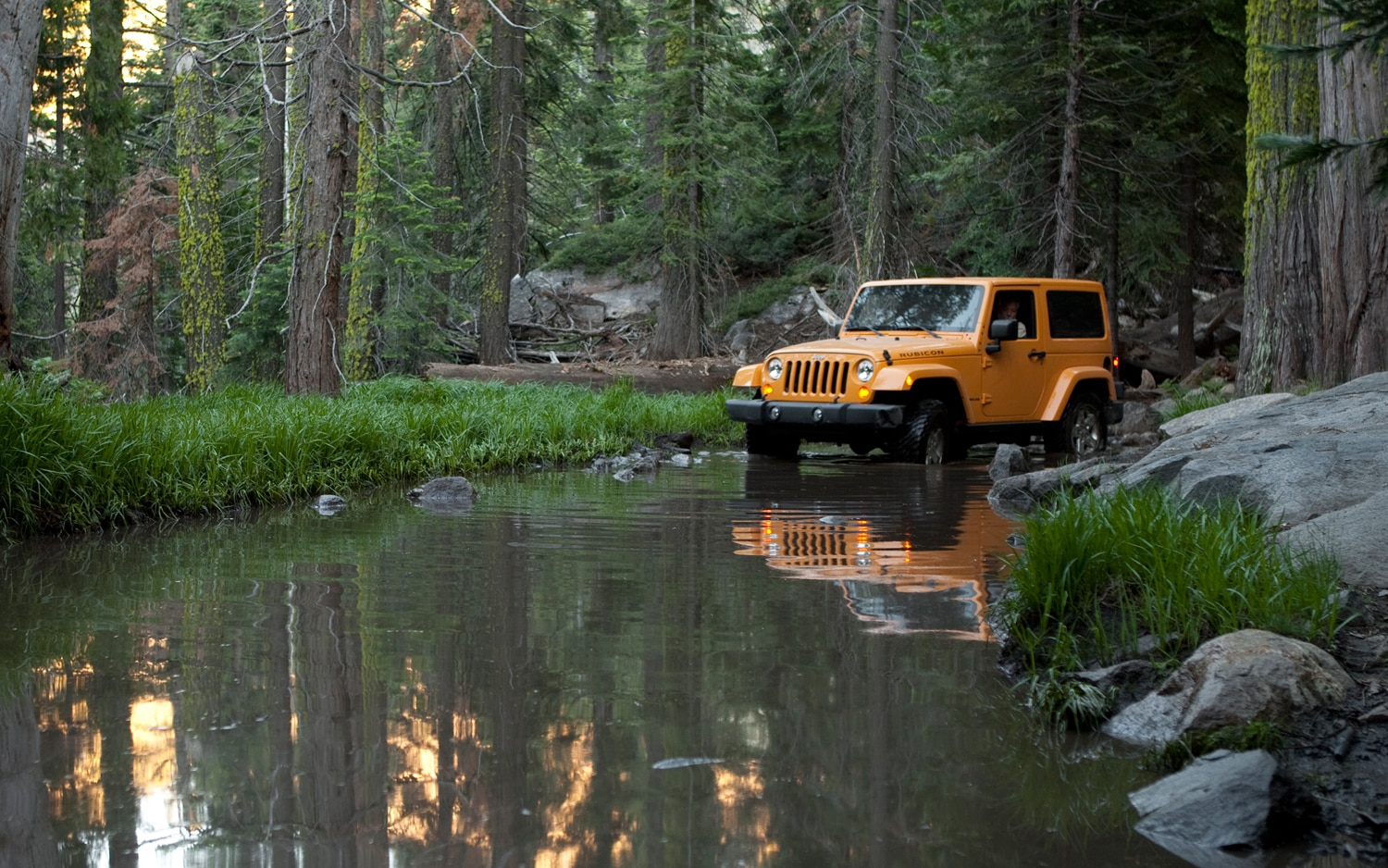 wrangler jeep river drive rubicon front engine