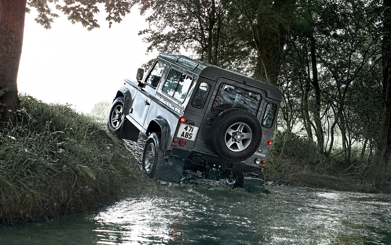 2012 Land Rover Defender Rear1