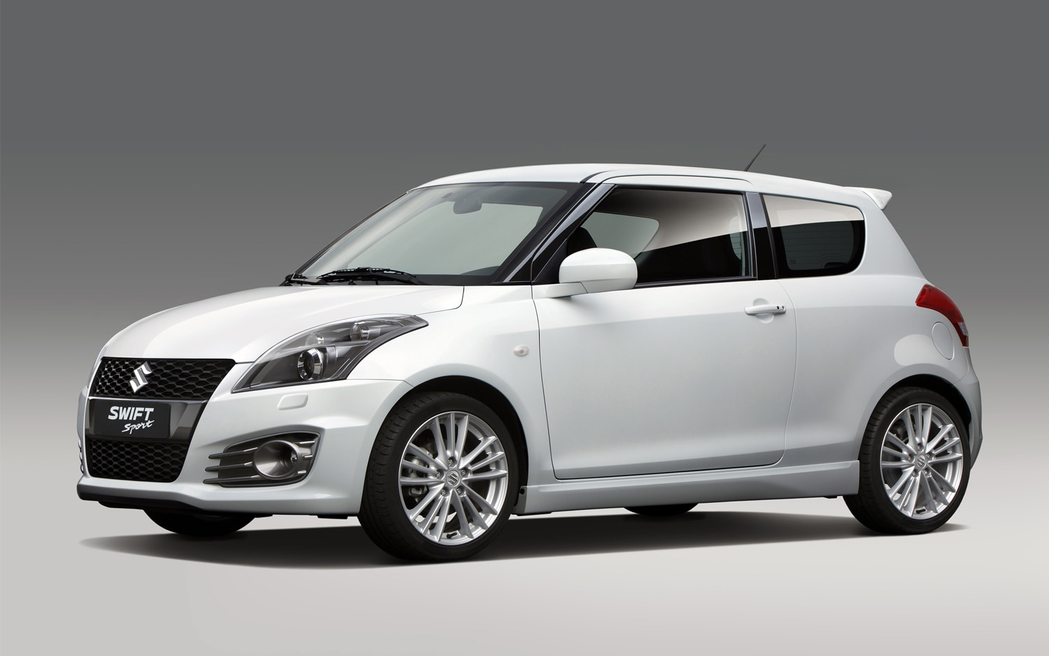 2012 Suzuki Swift Sport Front Three Quarter1