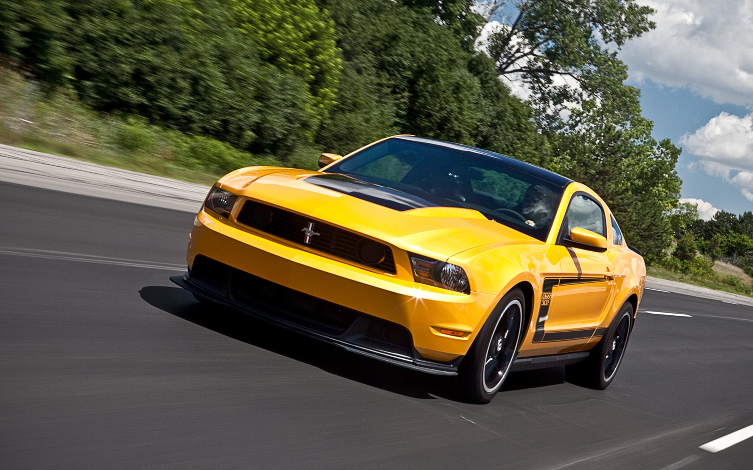2012 Ford Mustang Boss 302 Front Left Vview1