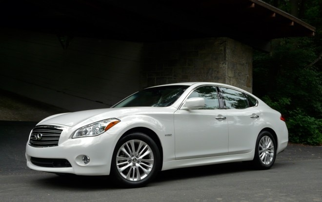 2012 Infiniti M Hybrid Front Left View2 660x413