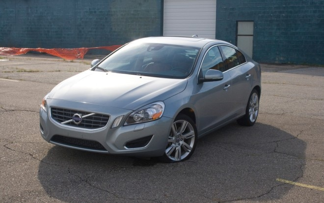 2012 Volvo S60 T6 AWD Front Left View1 660x413