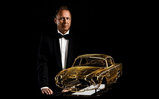 Aston Martin DB5 Gold Sculpture1 660x413