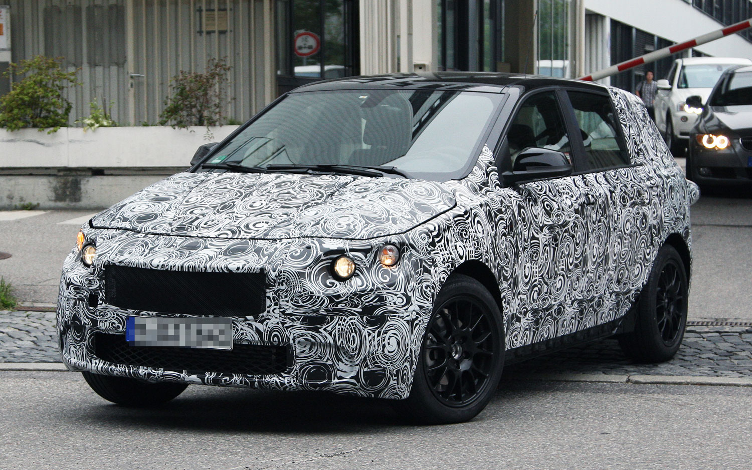 BMW FAST Spy Photo Front Three Quarter1