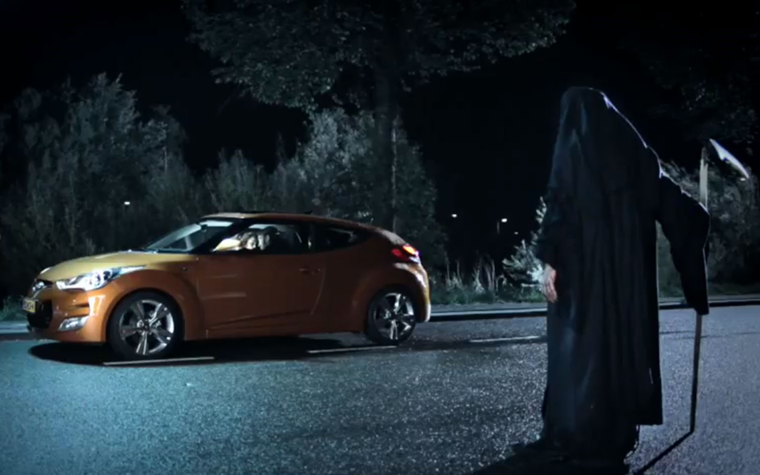 Hyundai Veloster Dutch Commercial 31