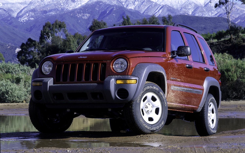 2002 Jeep Liberty Front Three Quarter1