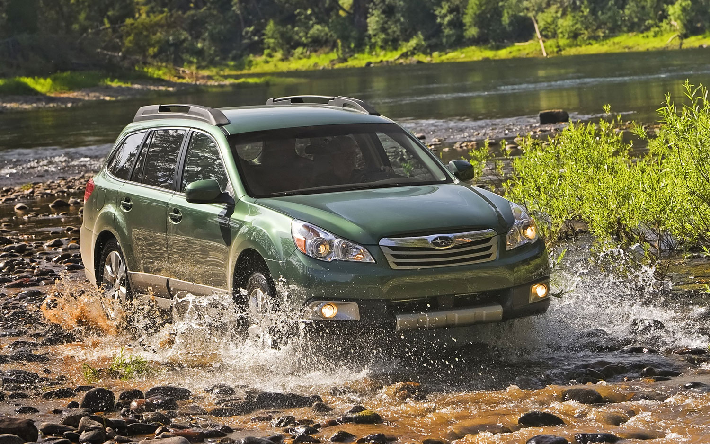 2010 Subaru Outback Action Shot1