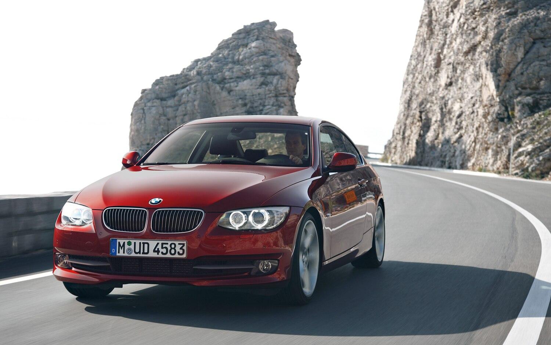 2011 BMW 335i Coupe Front Three Quarter1