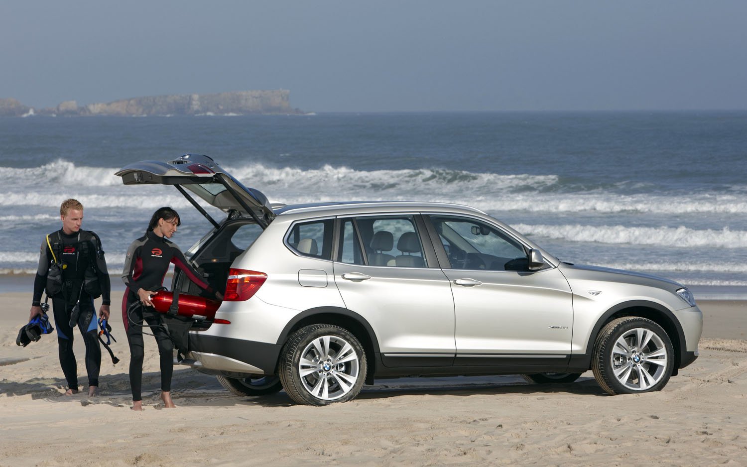 2011 BMW X3 Rear Three Quarter Scuba1
