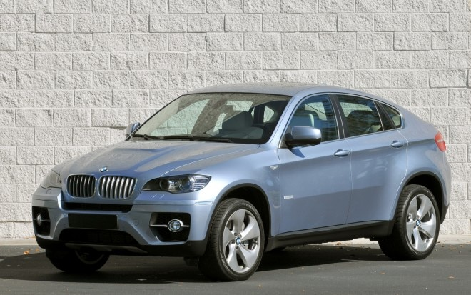 2011 BMW X6 ActiveHybrid Front Three Quarter1 660x413