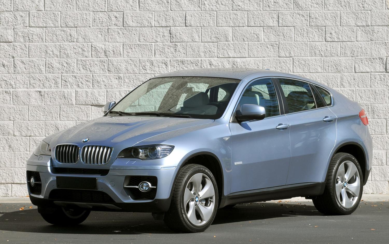 2011 BMW X6 ActiveHybrid Front Three Quarter1