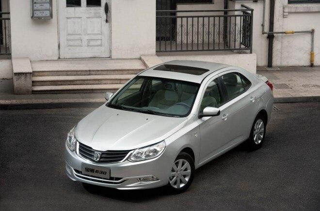 2011 Baojun Silver Front Three Quarter 660x436