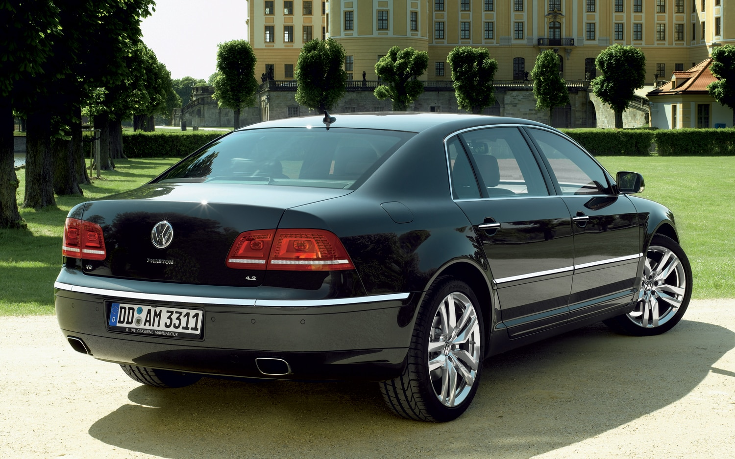 report 2015 volkswagen phaeton drops three box design will have hybrid option. Black Bedroom Furniture Sets. Home Design Ideas