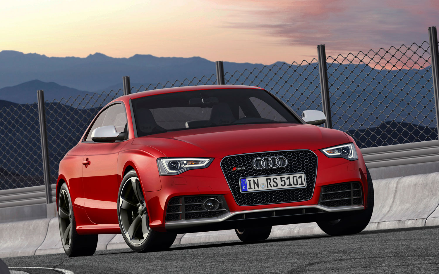 2012 Audi RS5 Right Front Angle1